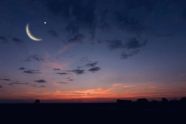 Night sky with crescent moon